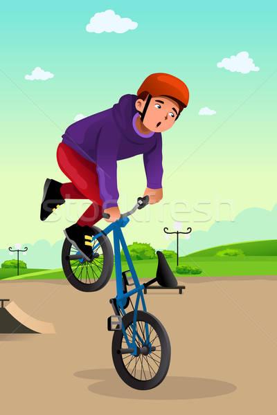 Fiú bicikli szenzáció testmozgás bicikli gyerek Stock fotó © artisticco