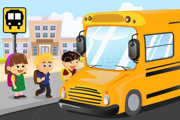 Gyerekek vár iskolabusz lány iskola boldog Stock fotó © artisticco