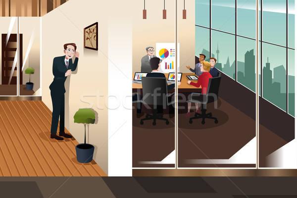 Empresário escuta conversa homem reunião Foto stock © artisticco