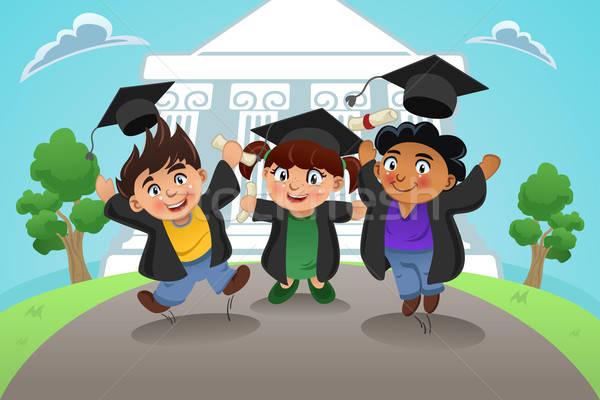 Studenten vieren afstuderen gelukkig meisje kinderen Stockfoto © artisticco