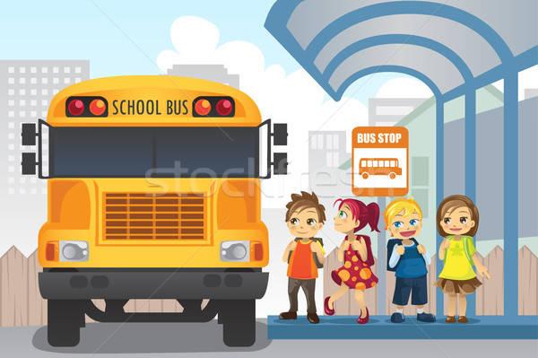 Dzieci przystanek autobusowy mały czeka szkoły znajomych Zdjęcia stock © artisticco