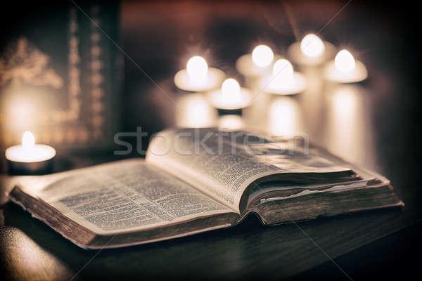 Biblia gyertyák alacsony fény jelenet húsvét Stock fotó © artistrobd