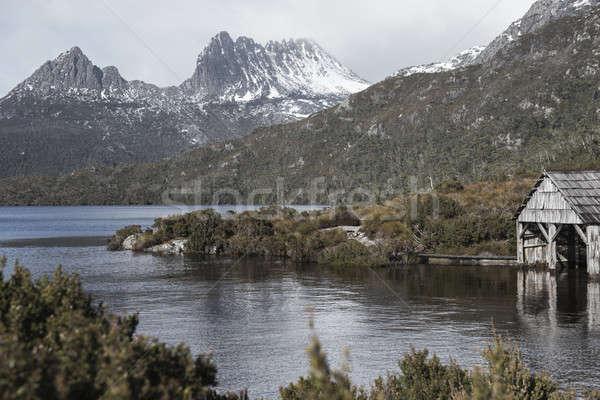 Boot duif meer tasmanië wolken berg Stockfoto © artistrobd