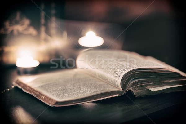 Biblia szellem oldalak húsvét Jézus gyertya Stock fotó © artistrobd