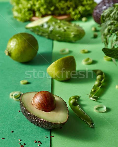 Zöldségek saláta saláta pázsit avokádó citrus Stock fotó © artjazz