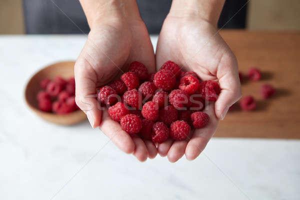 Stok fotoğraf: Taze · kırmızı · ahududu · pişirme · ev · yapımı · meyve