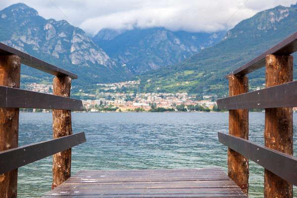 Csónak dokk tó Olaszország gyönyörű kilátás Stock fotó © artjazz