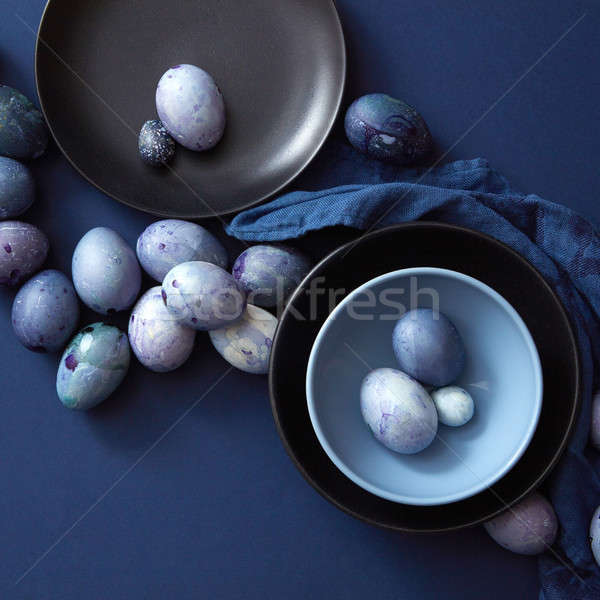 Gekleurde eieren plaat paaseieren donkere Blauw servet Stockfoto © artjazz