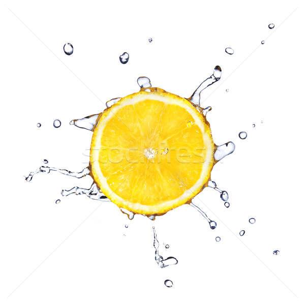 Foto d'archivio: Fetta · limone · gocce · d'acqua · isolato · bianco · alimentare