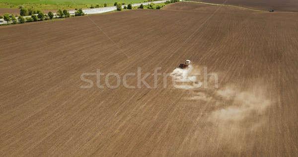 トラクター 作業 栽培 フィールド 農業 ストックフォト © artjazz