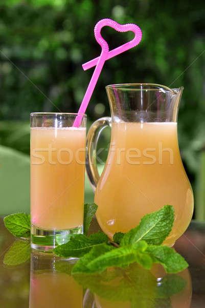 Bebida fria vidro de festa verde beber Foto stock © artjazz