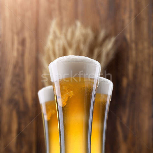 Cam bira buğday ahşap ahşap bar Stok fotoğraf © artjazz