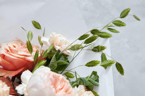 Virágcsokor virágok virág tavasz esküvő rózsa Stock fotó © artjazz