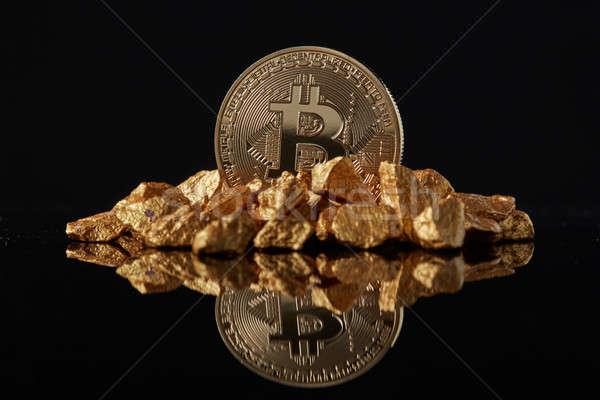 Arany bitcoin érme arany sötét tükröződés Stock fotó © artjazz