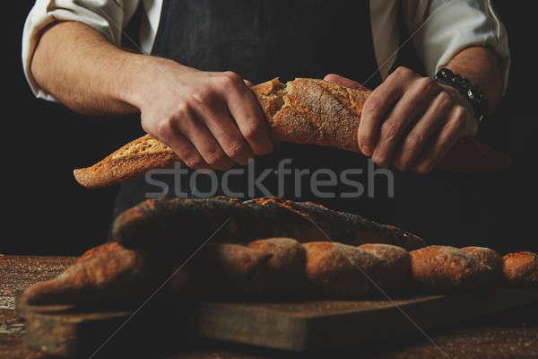 рук перерыва багет свежие хрустящий Сток-фото © artjazz