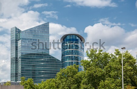 Modern bina park yeşil ağaçlar mavi gökyüzü gökyüzü Stok fotoğraf © artjazz