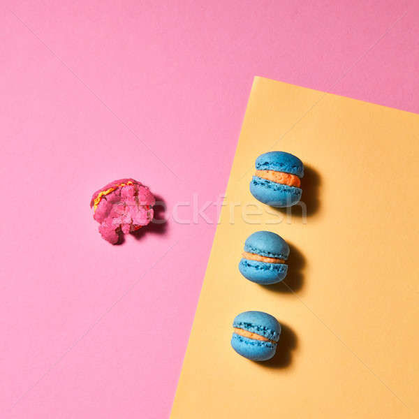 три синий желтый картона один сломанной Сток-фото © artjazz
