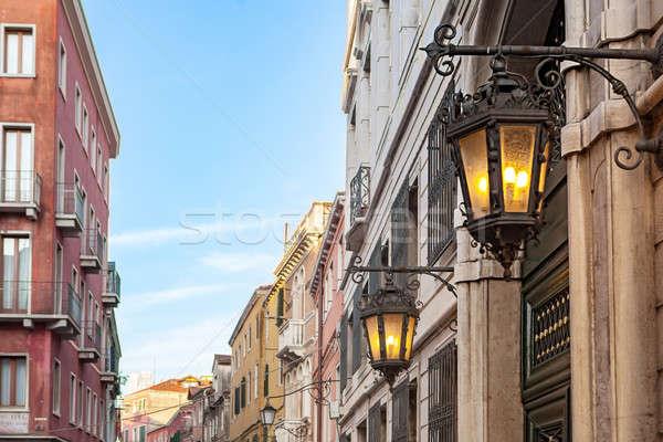 Vechi lampă venetian stradă Venetia Italia Imagine de stoc © artjazz