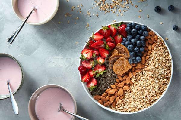 Yoghurt bril bessen zaden gezonde Stockfoto © artjazz