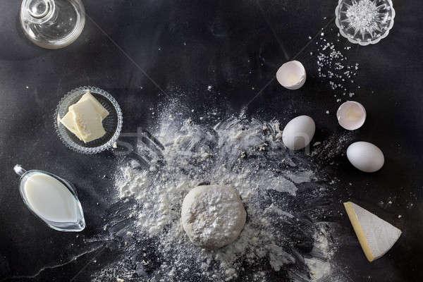 Noir table farine ingrédients haut vue Photo stock © artjazz