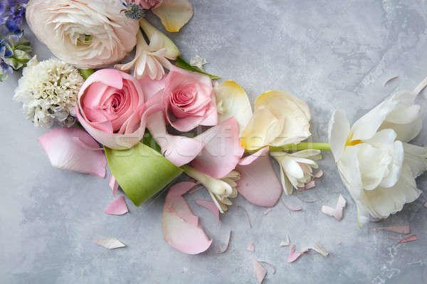 Güzel buket renkli bağbozumu güller Stok fotoğraf © artjazz