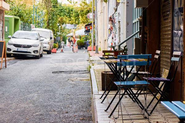 Kávézó keskeny utcák Isztambul utca város Stock fotó © artjazz