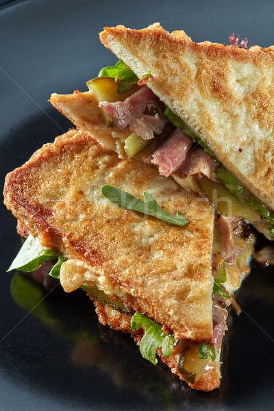 Blt bacon alface sanduíche preto prato Foto stock © artjazz