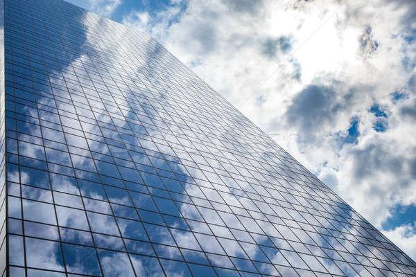 Felhőkarcoló égbolt épület üveg üzlet iroda Stock fotó © artjazz