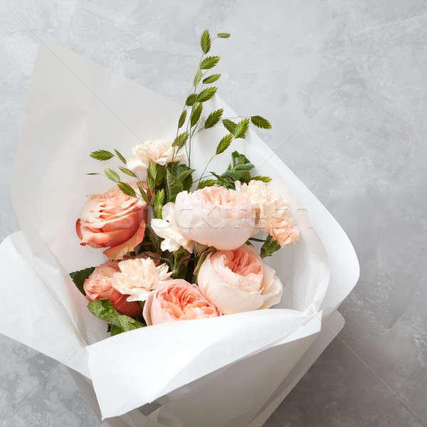 Güzel şeftali güller beton doku Stok fotoğraf © artjazz