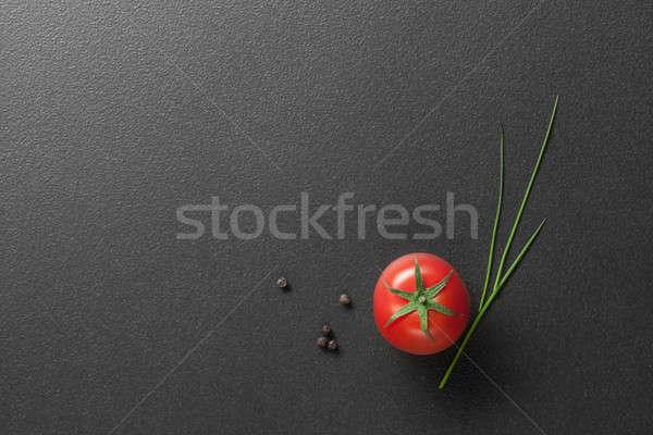 Kırmızı domates yeşil soğan siyah gıda meyve Stok fotoğraf © artjazz