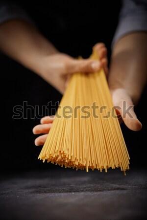Foto d'archivio: Italiana · lungo · spaghetti · mani · cuoco · buio