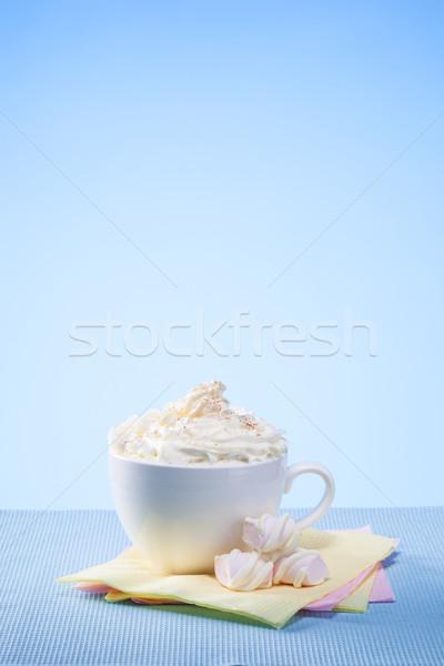 Warme chocolademelk room Blauw tabel drinken beker Stockfoto © artjazz