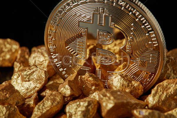 Altın bitcoin sikke siyah finansman Stok fotoğraf © artjazz