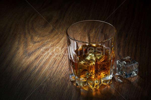 Whiskey glace verre bois alimentaire fête Photo stock © artjazz