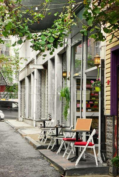 Török utca kávézó Isztambul kicsi kényelmes Stock fotó © artjazz