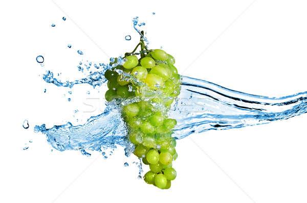 Foto stock: Verde · de · uva · aislado · blanco · agua