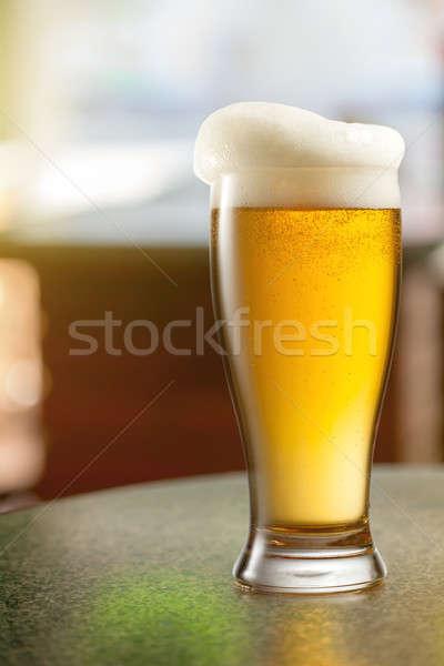Cam birahane tablo bar içmek Stok fotoğraf © artjazz