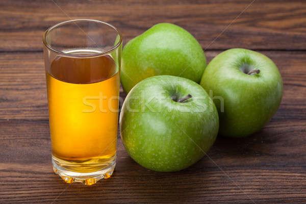 Szkła sok jabłkowy jabłka drewna żywności Zdjęcia stock © artjazz