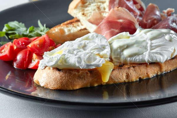 Tradycyjny angielski śniadanie jaj toast pomidory Zdjęcia stock © artjazz