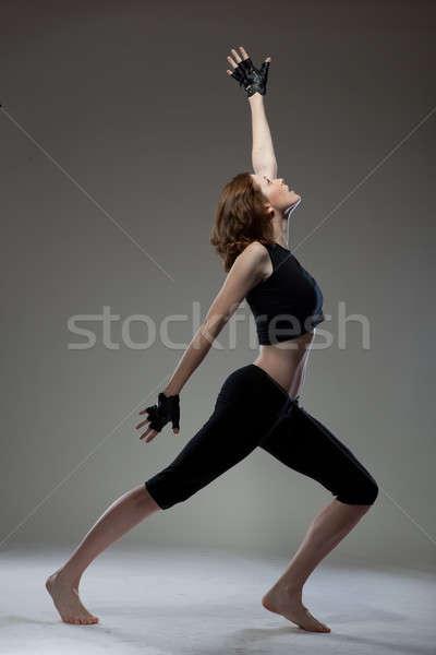 çekici genç kadın dans kız saç egzersiz Stok fotoğraf © artjazz