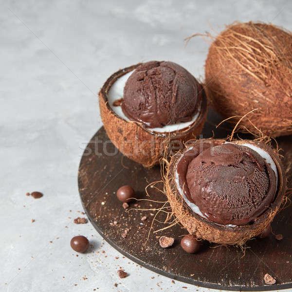 Smakelijk vers bruin ijs kokosnoot schil Stockfoto © artjazz