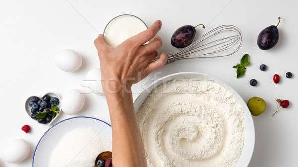 Сток-фото: сырой · Ингредиенты · пирог · Ягоды · женщину