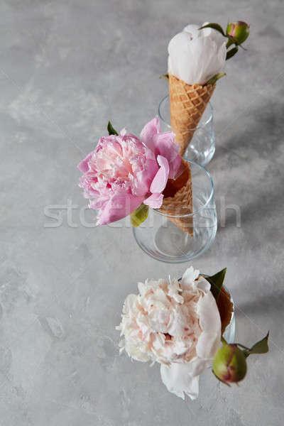 Estate fiori wafer coppe occhiali Foto d'archivio © artjazz