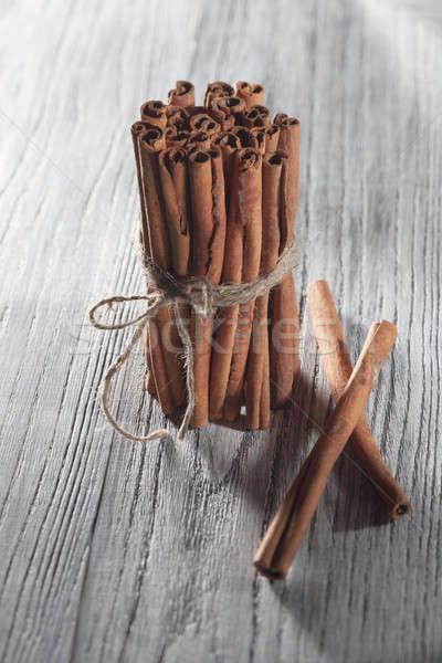 Fahéj izolált fehér fa asztal fából készült fa Stock fotó © artjazz