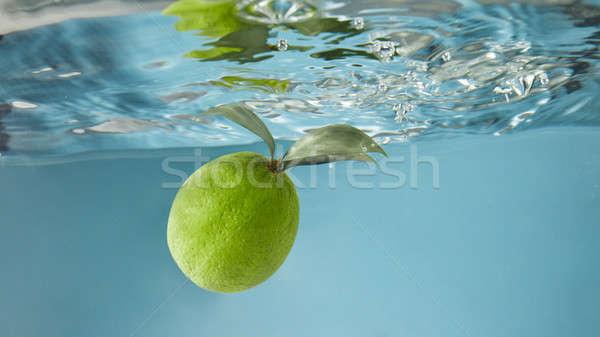 Vert chaux eau sentier transparent bulles Photo stock © artjazz