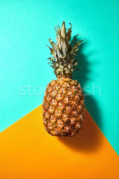 Rijp ananas geïsoleerd oranje groene top Stockfoto © artjazz