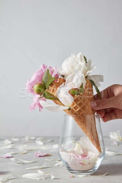 Wenskaart hand wafeltje kegel witte Stockfoto © artjazz