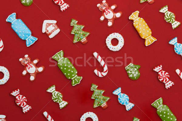 Foto stock: Natal · bolinhos · caseiro · delicioso · pão · de · especiarias · vermelho