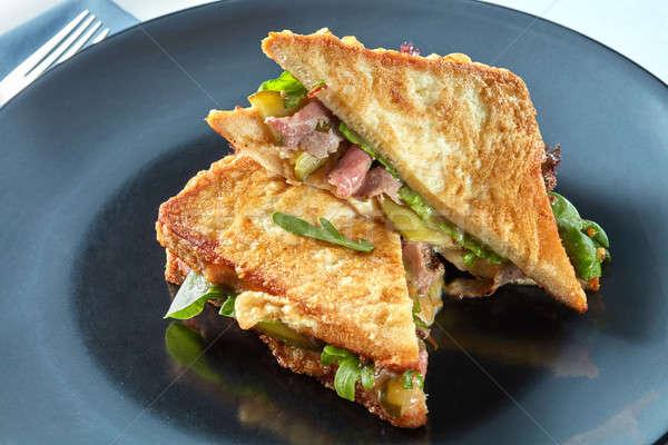 здорового сэндвич бекон завтрак черный пластина Сток-фото © artjazz