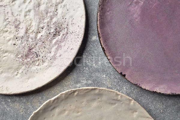 Kleurrijk ingericht porselein platen grijs marmer Stockfoto © artjazz
